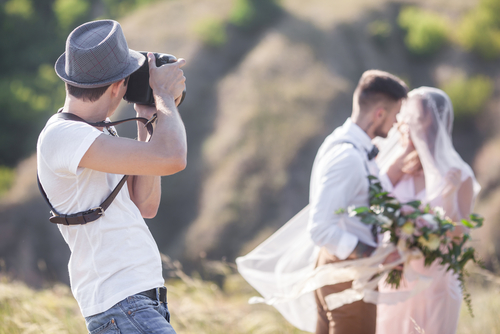 Top wedding photographer tips