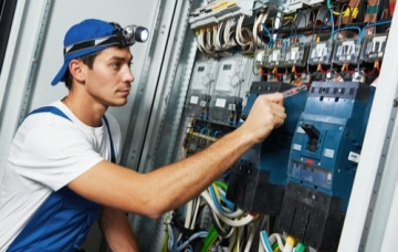 Find Electricians